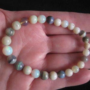 Mintubi 5-8mm round 46cts opal bracelet 1577